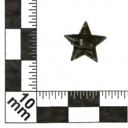 Small stars on the epaulets, junior and non-commissioned officers, field