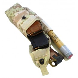 TI-P-2AK-ROPNP Pouch for 2 AK magazines, signal flare and knife, right, Digital Beige (Syria)